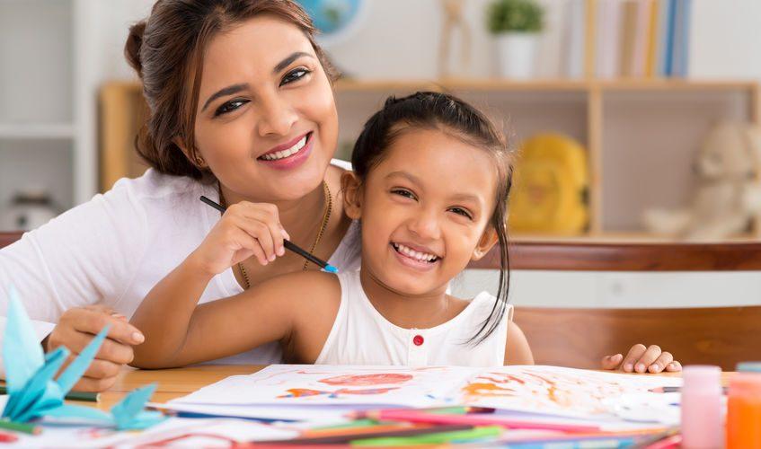 famille heureuse, harmonie familiale, enfants, mère et enfant